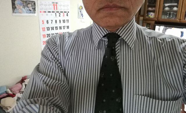 ネクタイ姿